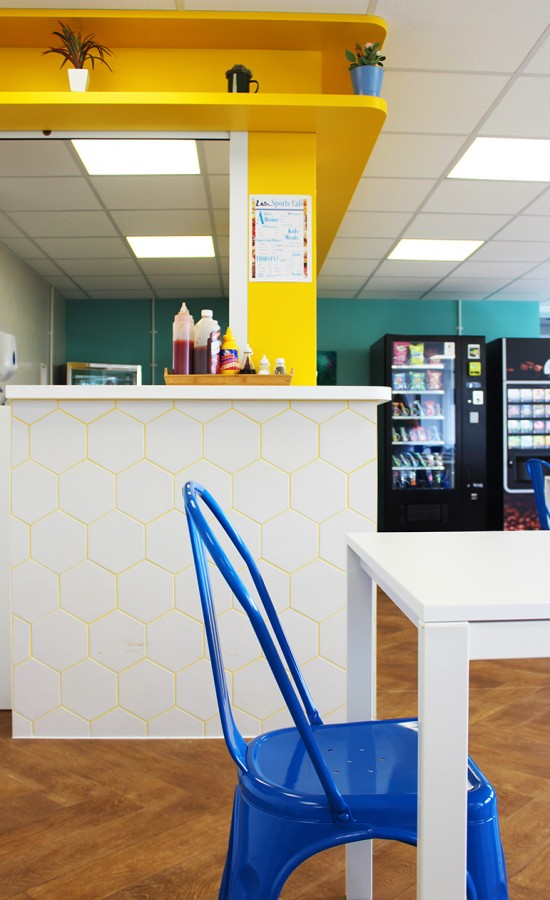 counter _hexagon tiles_cafe_leisure_yello sm